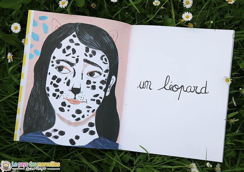 dessin d'une maman maquillée en léopard