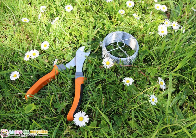 matériel pour réaliser une couronne de fleurs