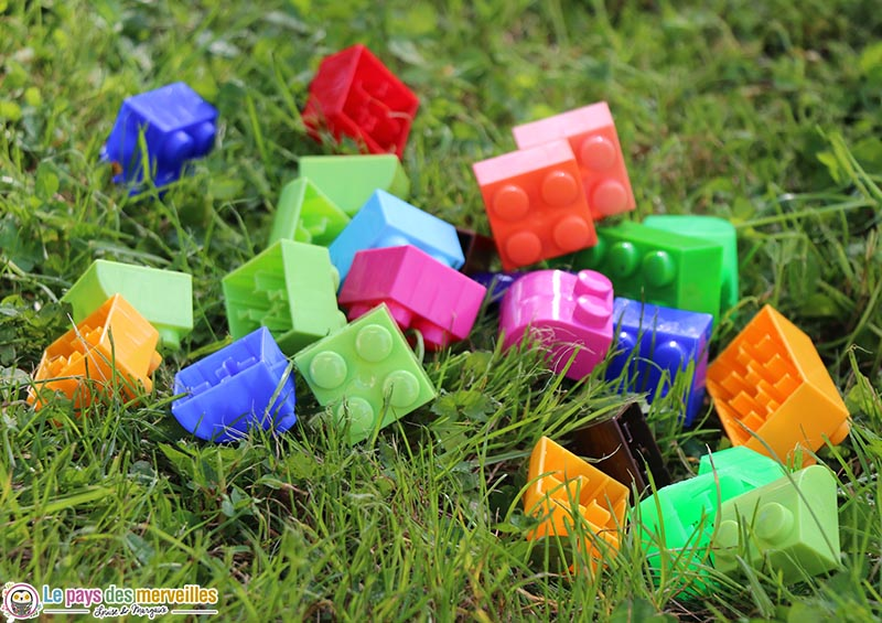 briques de construction en plastique coloré