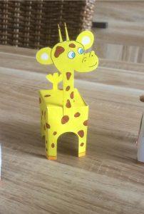 girafe en paper Toy