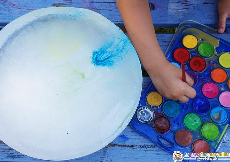 Peinture sur glaçon