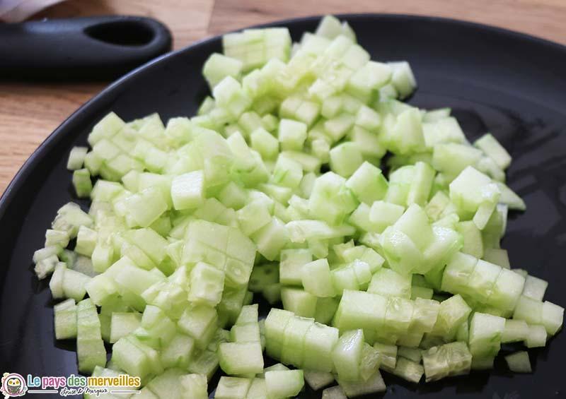 concombre coupé en petits dés