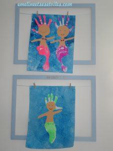 Sirènes avec des empreintes de pieds