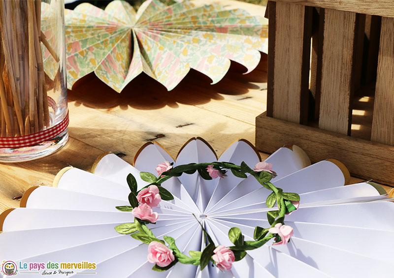 couronne de fleurs et rosace liberty