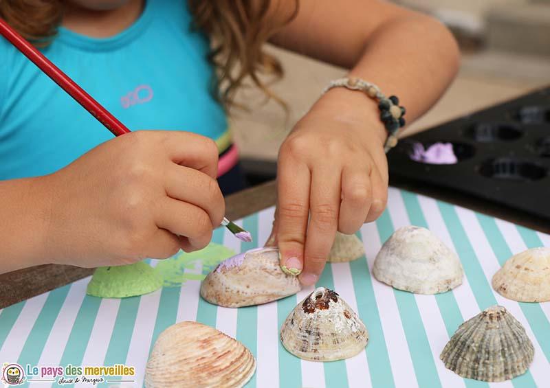 Peinture acrylique sur des coquillages