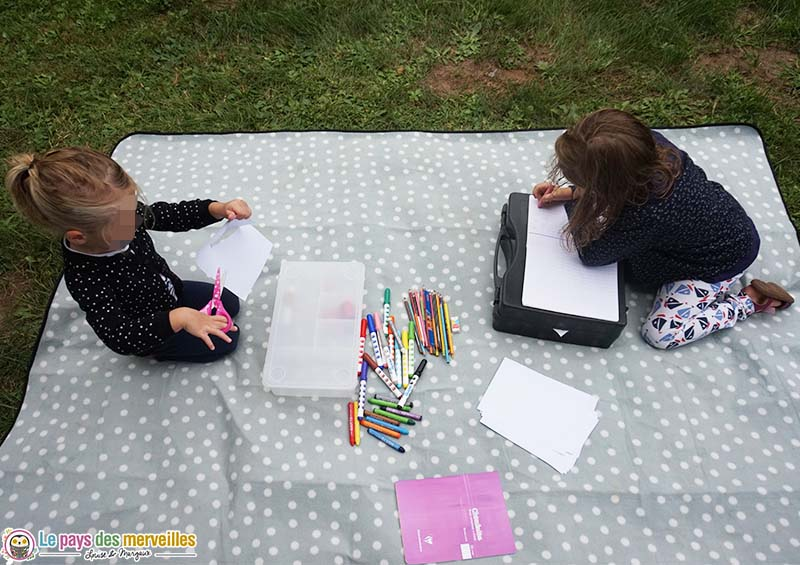valise créative pour occuper les enfants en vacances