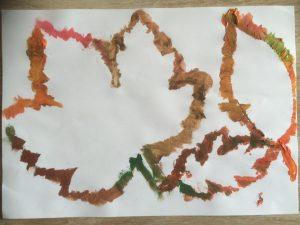 contour de feuilles d'arbre peint