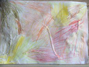 empreintes de feuilles d'arbre réalisées avec des pastels grasses