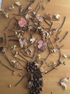 arbre land art sur du carton