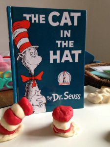 the cat in the hat chapeau en pâte à modeler