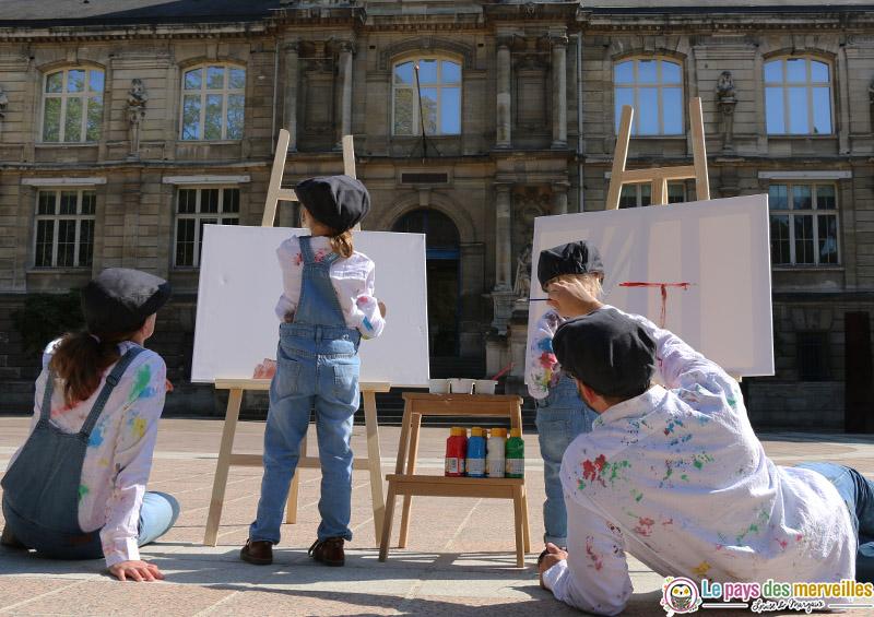 peindre avec des enfants en pleine ville