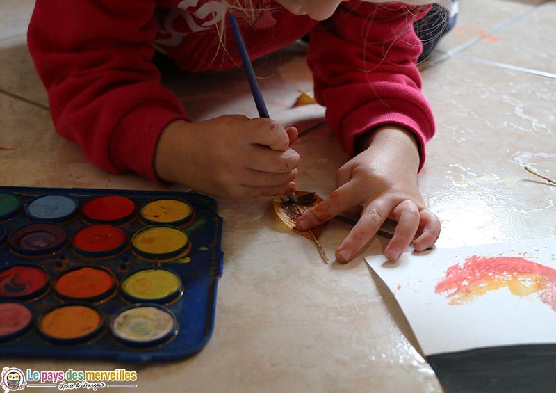 peinture enfant sur le thème de l'automne