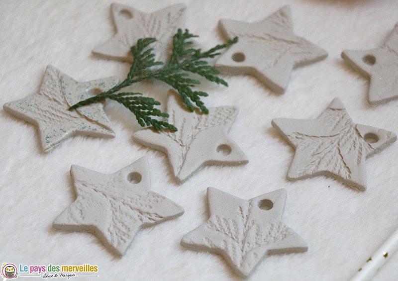 Suspensions en forme d'étoile avec empreinte de végétaux