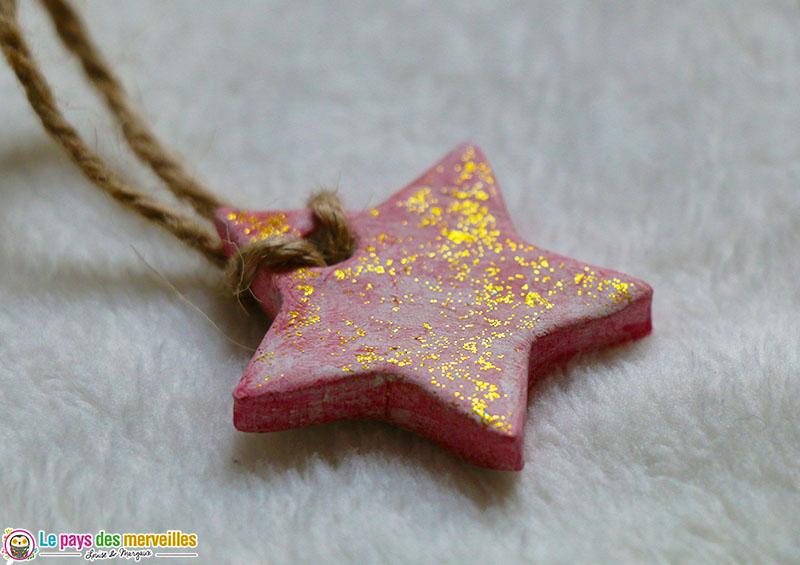 étoile de noël pailletée à suspendre