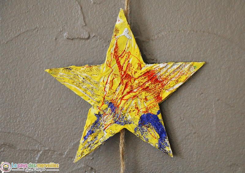 étoile peinte à la fourchette