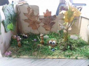 forêt d'automne dans un carton
