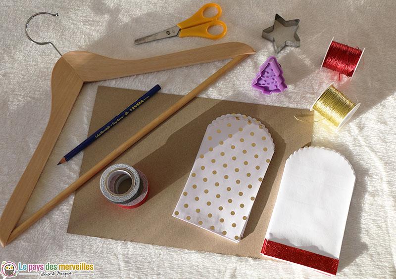 matériel pour réaliser un calendrier de l'avent sur cintre