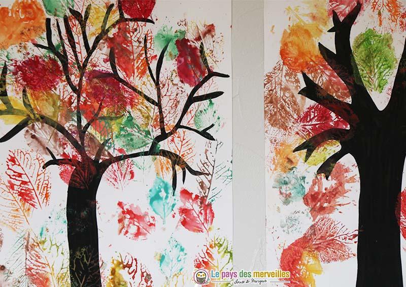 empreintes de feuilles d'arbres à la peinture