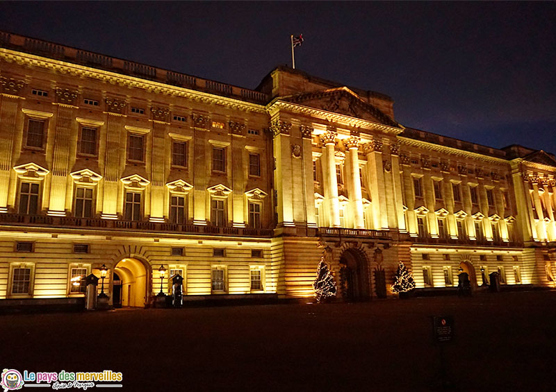 Buckingham Palace la nuit