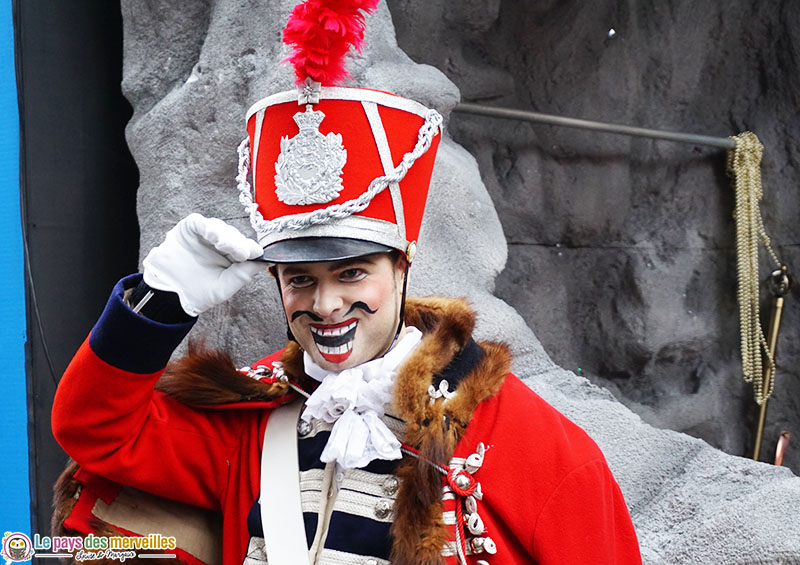 Personnage de la parade du nouvel an à Londres