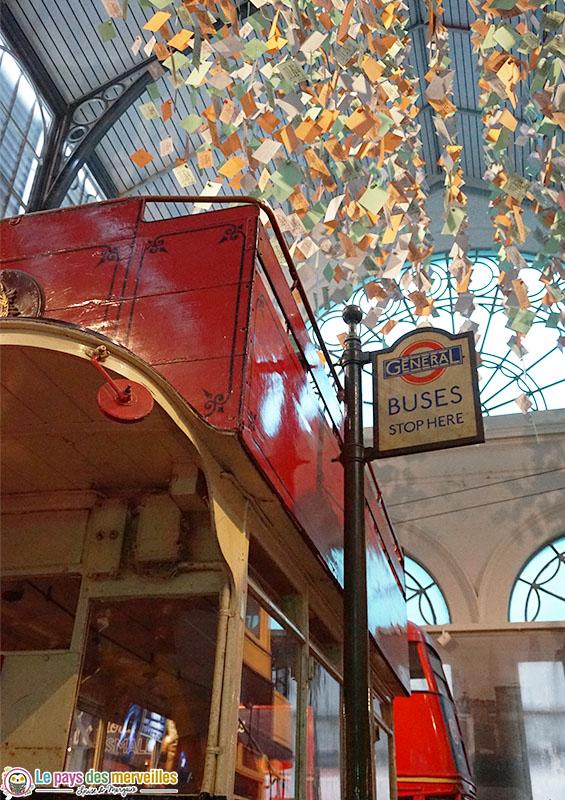 Intérieur du musée des transports de Londres
