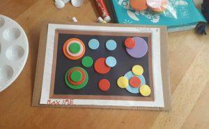 Collage de cercles à la manière de Kandinsky