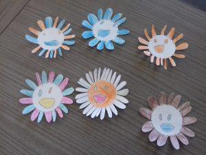 fleurs magiques à la manière de Takashi Murakami :