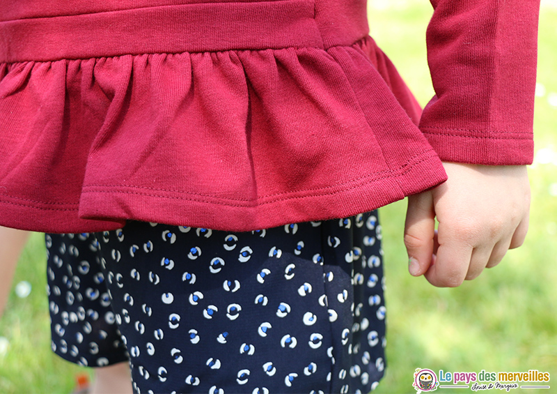 sweat rouge et short souple fille