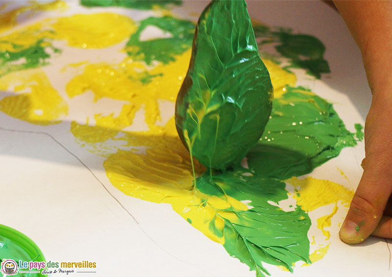 Empreinte de poire à la peinture