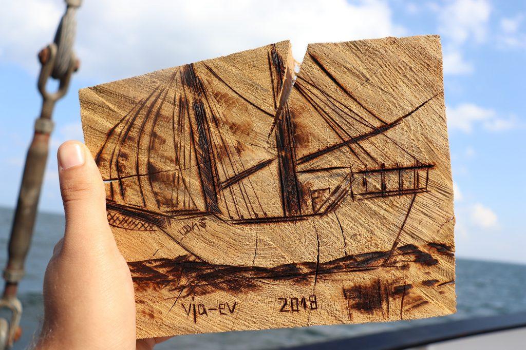 Pratiquer la pyrogravure avec les enfants