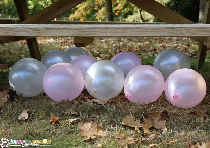 Ballons de baudruche blanc et rose
