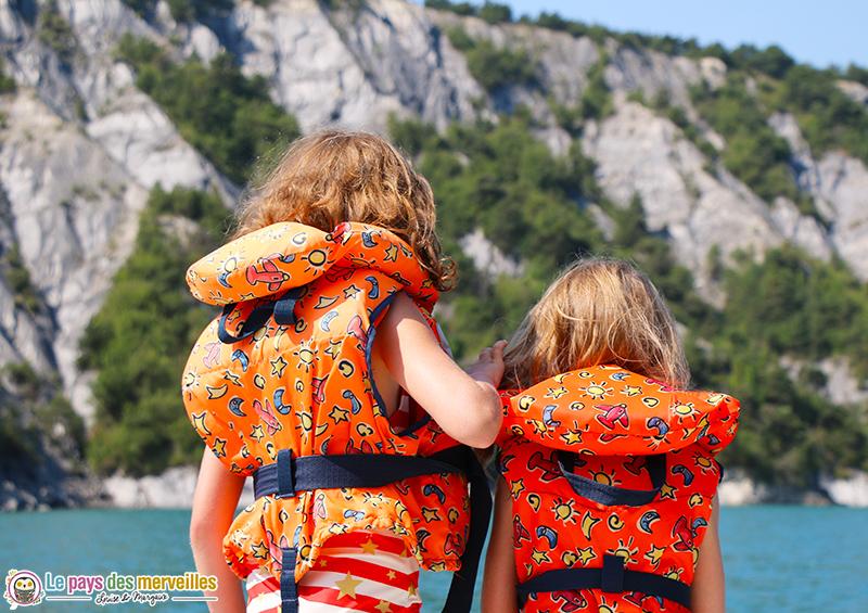 Balade en bateau electrique avec les enfants