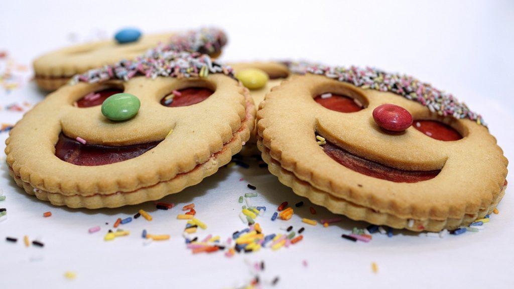 biscuits pour une décoration d'anniversaire sur le thème du cirque