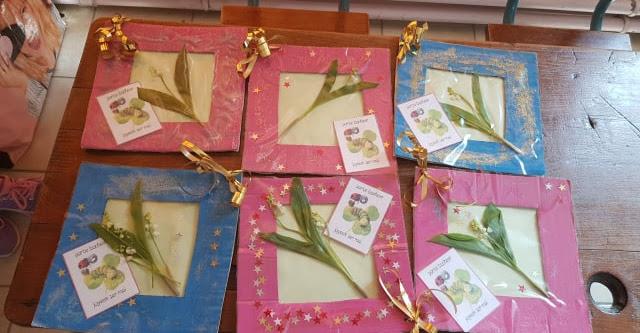 Cadre en carton pour muguet porte bonheur