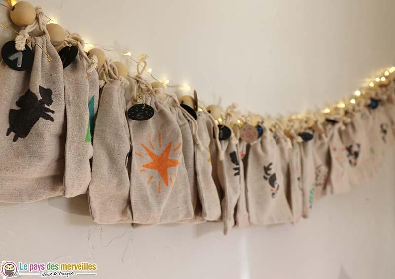 pochettes en lin décorées avec des feutres