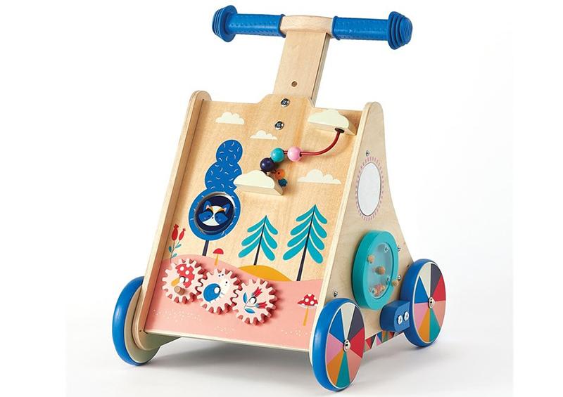 chariot de marche en bois