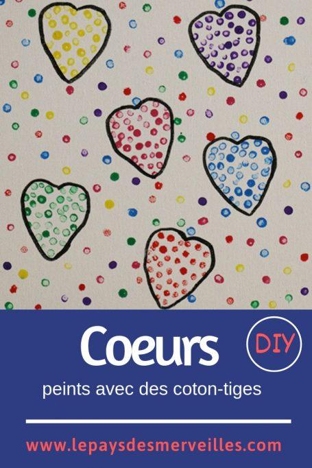 Coeurs peints avec des coton-tiges