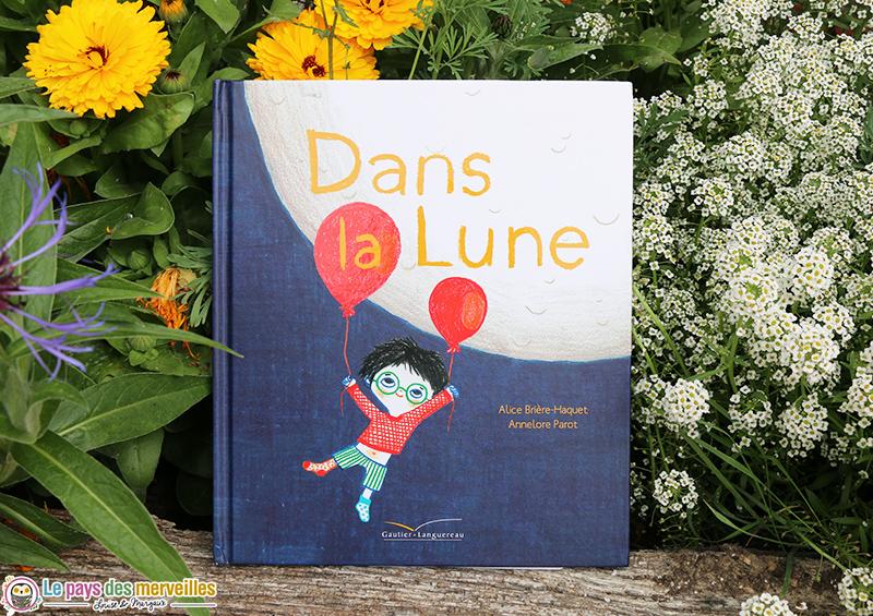 Album Dans la Lune pour les enfants