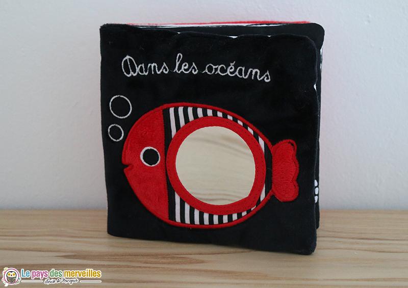 """Livre en tissu """"Dans les océans"""""""
