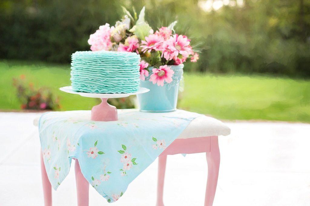 décoration anniversaire rose et bleue