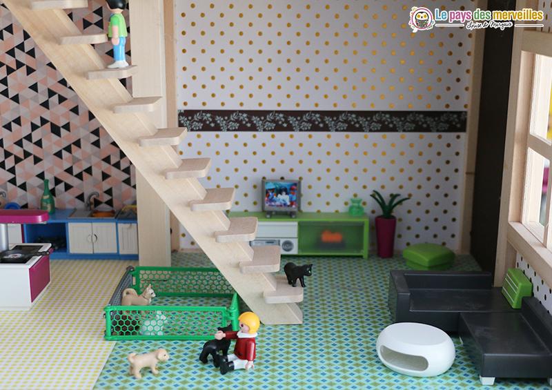 Déco du salon dans maison playmobil