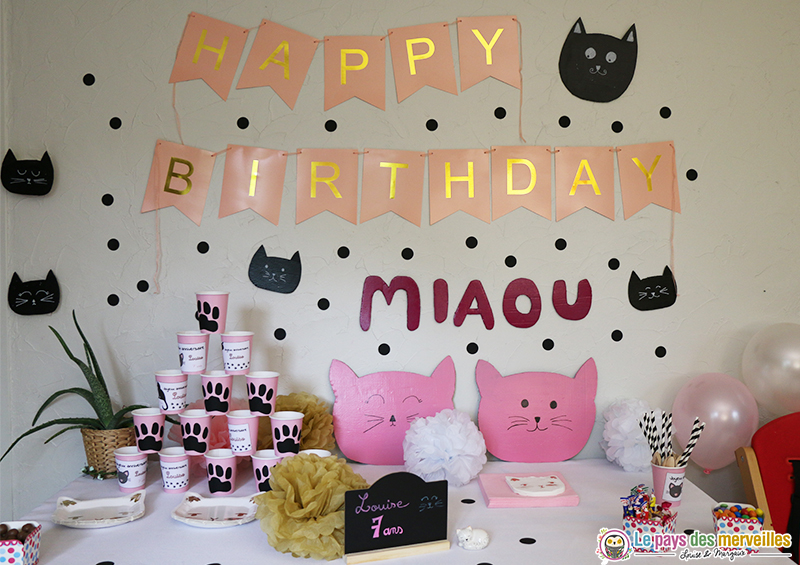 Décoration d'anniversaire sur le thème des chats