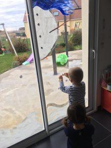 Décoration de fenêtres par les enfants