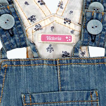 Etiquette autocollante vêtement