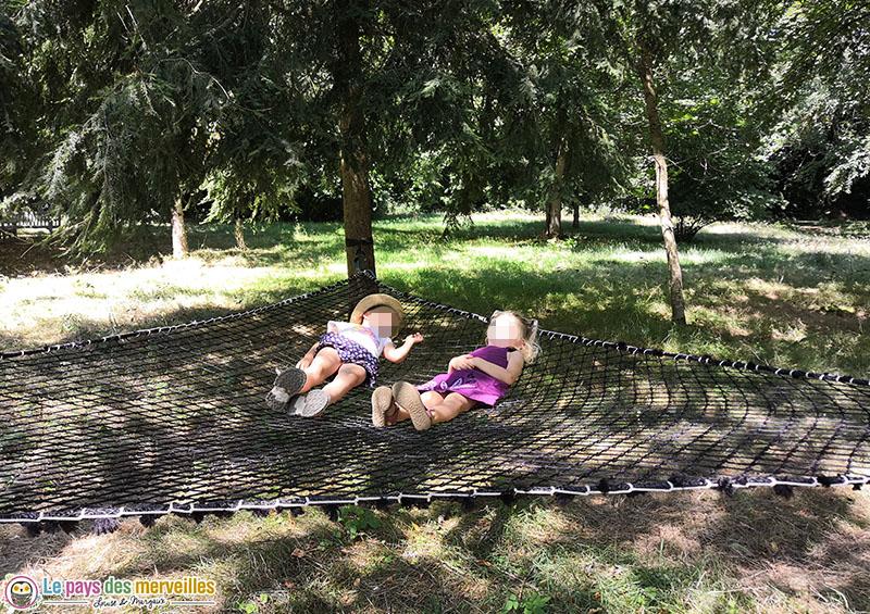 Filets en sieste dans les arbres du château d'Harcourt