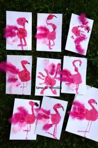 Flamants roses en peinture et plumes