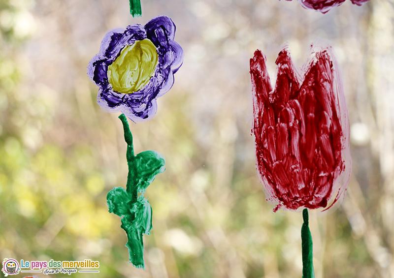 peindre des fleurs sur les vitres
