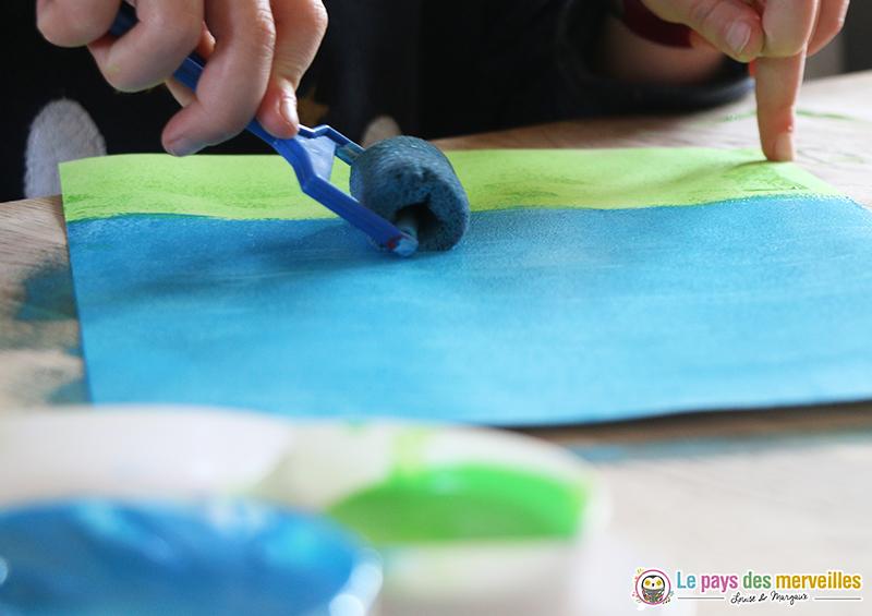 peinture bleue au rouleau