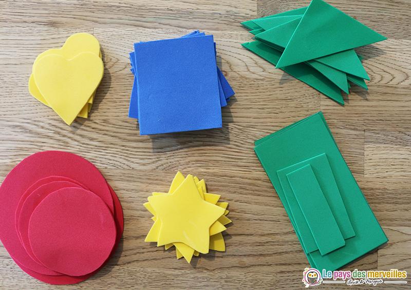 Formes découpées dans du papier mousse