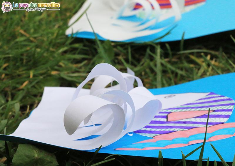 papier frisé avec un ciseaux